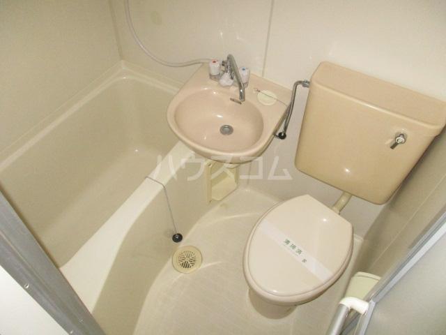 コート祖師谷 304号室のトイレ