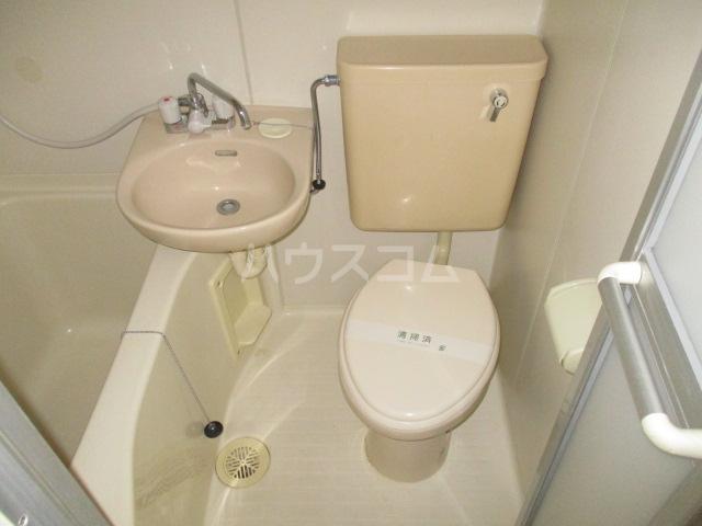 コート祖師谷 304号室の風呂