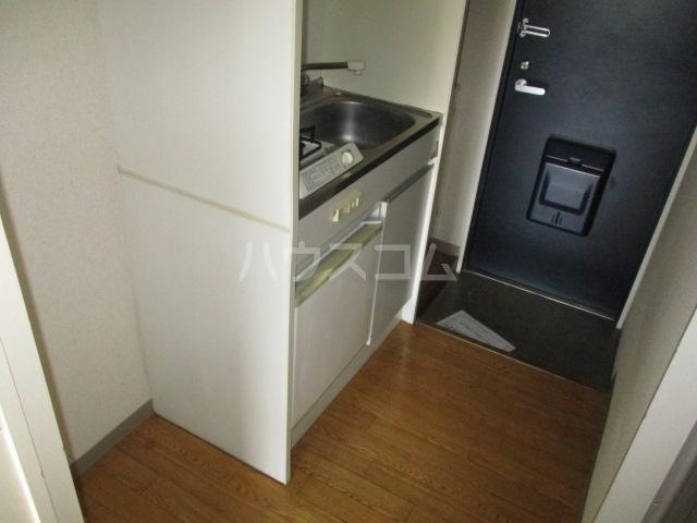 コート祖師谷 304号室のキッチン