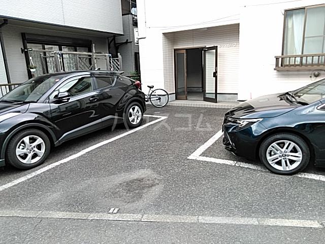 パールハイムⅡ 102号室の駐車場