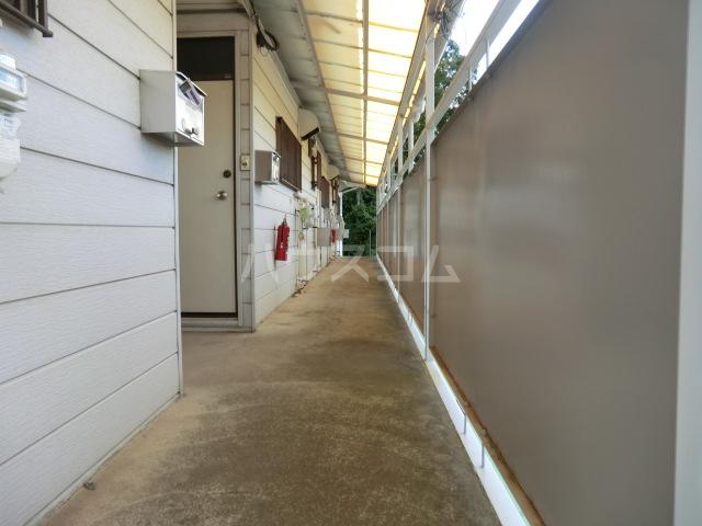 エスポワール元町Ⅱ 205号室のエントランス