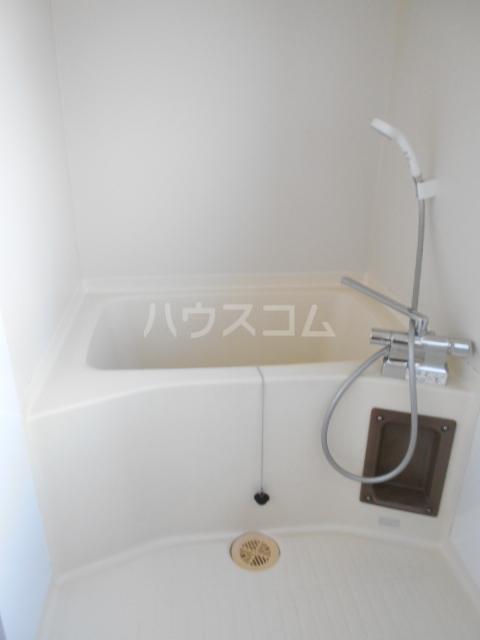 リブ元町 301号室の風呂