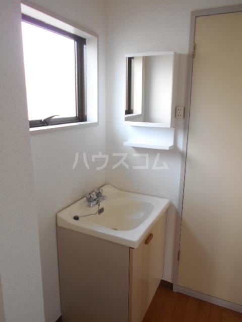 リブ元町 301号室の洗面所