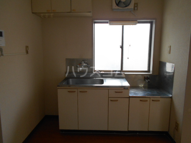 リブ元町 301号室のキッチン