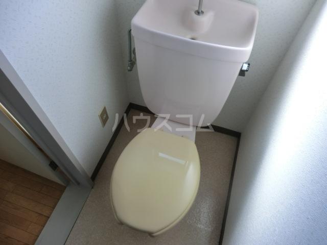 リブ元町 301号室のトイレ