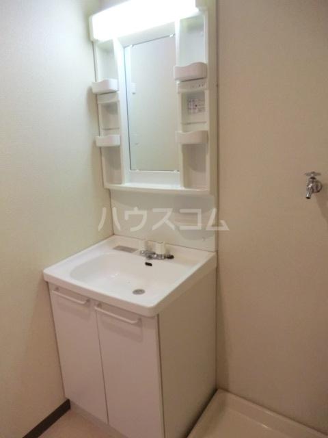新田第5中島ハイツ 103号室の洗面所