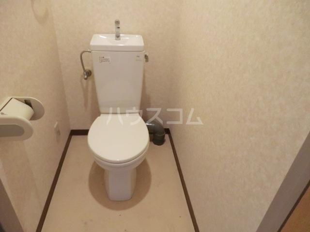 新田第5中島ハイツ 103号室のトイレ