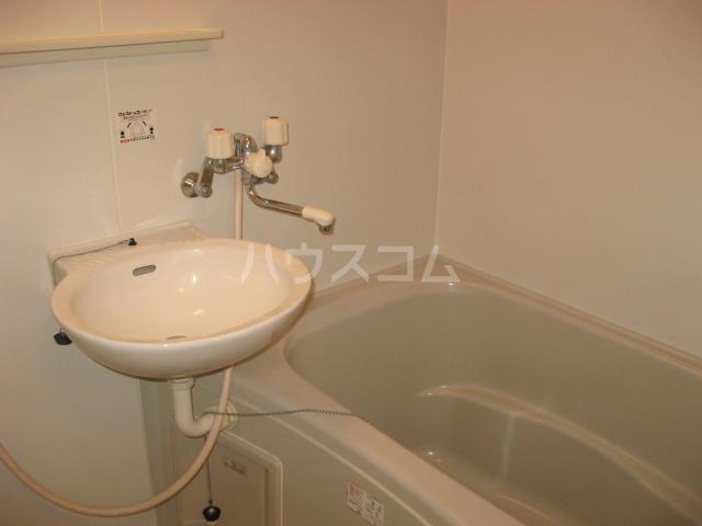 エスペラント浦和 108号室の洗面所