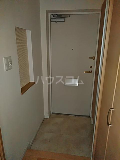 レーベンハイム浦和常盤 1F号室の玄関