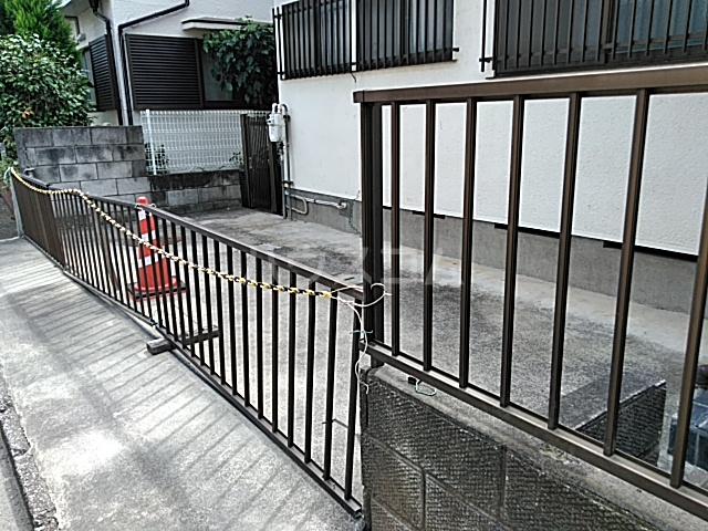 有賀様領家戸建ての駐車場