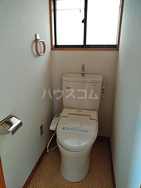 有賀様領家戸建てのトイレ