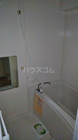 ブランドール参番館 103号室の風呂