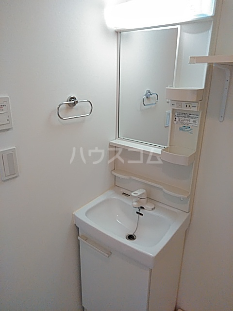アクシーズタワー浦和岸町Ⅲ 703号室の洗面所