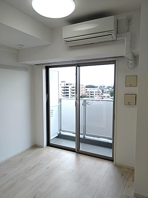 アクシーズタワー浦和岸町Ⅲ 703号室の居室