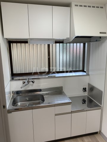 ブルーウッド 101号室のキッチン