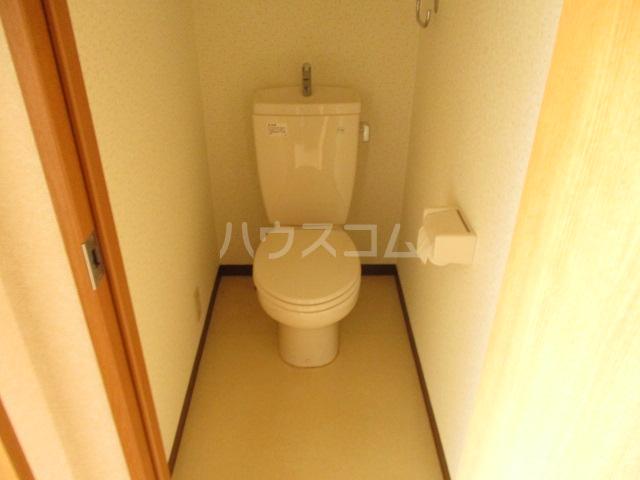 MF9ビル 503号室のトイレ