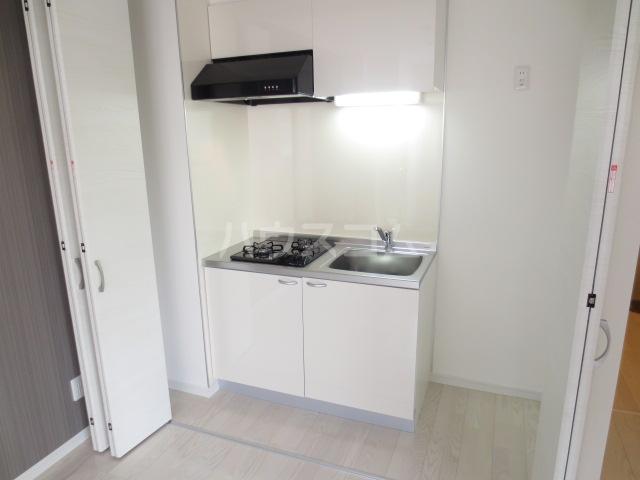クレイドル千葉 602号室のキッチン