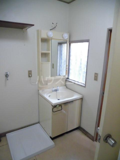 北島戸建の洗面所