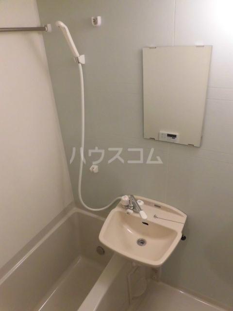 MELDIA宮本B 301号室の風呂