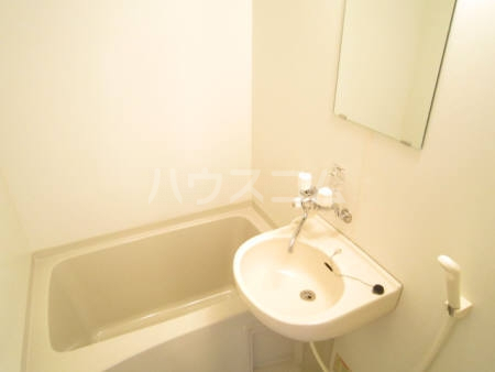 クレセントD 203号室の風呂