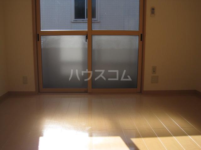 クレセントD 203号室の