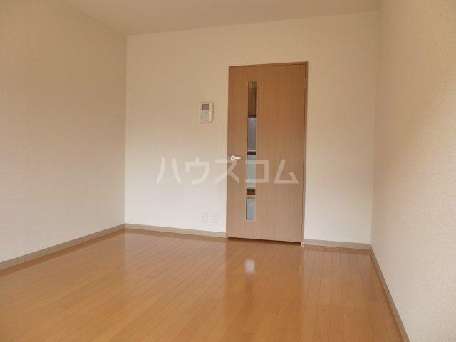 ドエル・ミョウセイ 108号室の居室