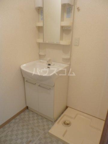ドエル・ミョウセイ 108号室の洗面所