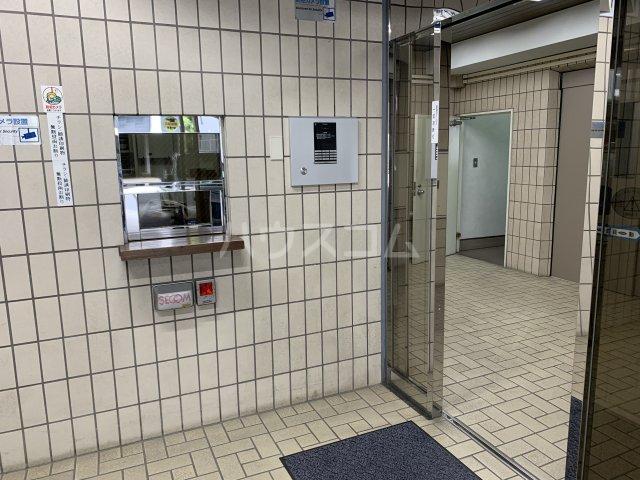 センチュリーハイツ三徳 526号室のエントランス