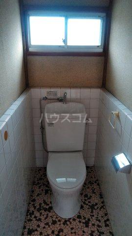 明美荘 201号室のトイレ