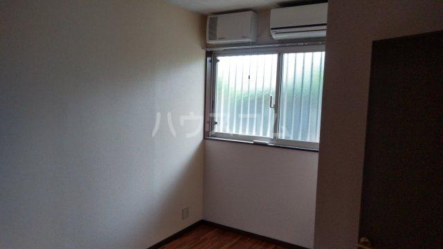 アーバンハイツ 105号室の居室