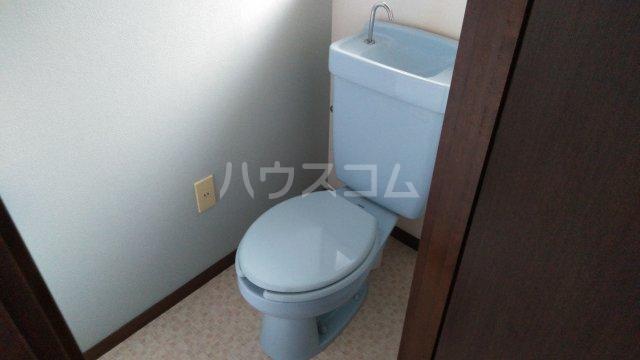 アーバンハイツ 105号室のトイレ