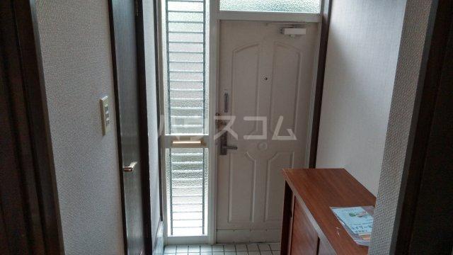 アーバンハイツ 105号室の玄関