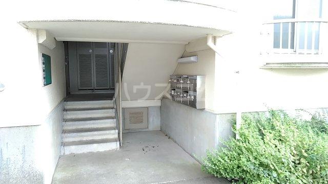 湘南カワマヒルズ 102号室のエントランス