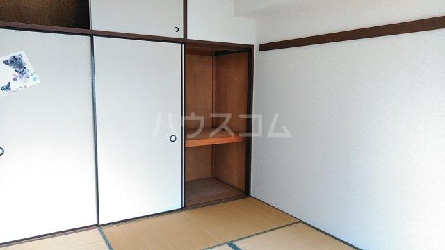 湘南カワマヒルズ 102号室の居室