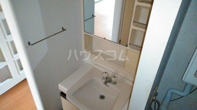 湘南カワマヒルズ 102号室の洗面所
