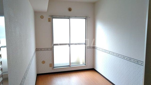 湘南カワマヒルズ 102号室のベッドルーム