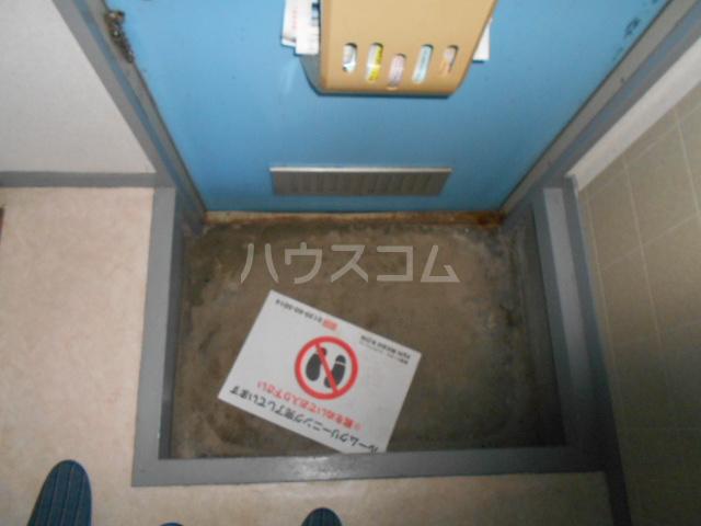 グリーンプラザ 202号室の玄関