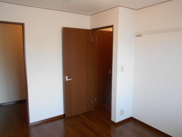 グランバリエ 106号室のリビング
