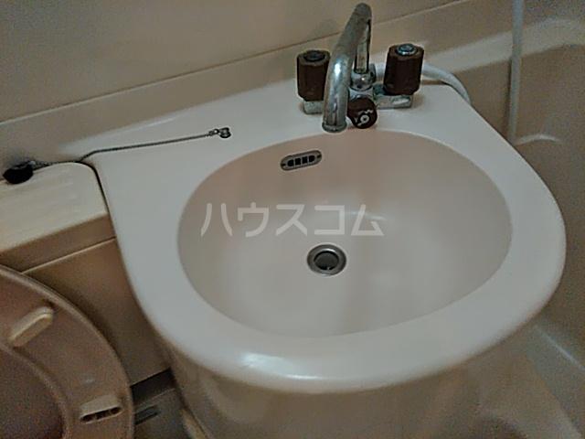キャトルセゾン 102号室の洗面所