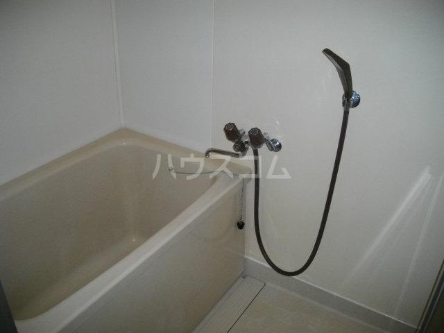 パークレーン和地山 A-1号室の風呂