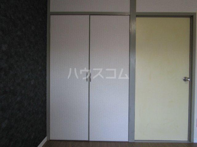 四季ハイツ中沢 102号室の収納