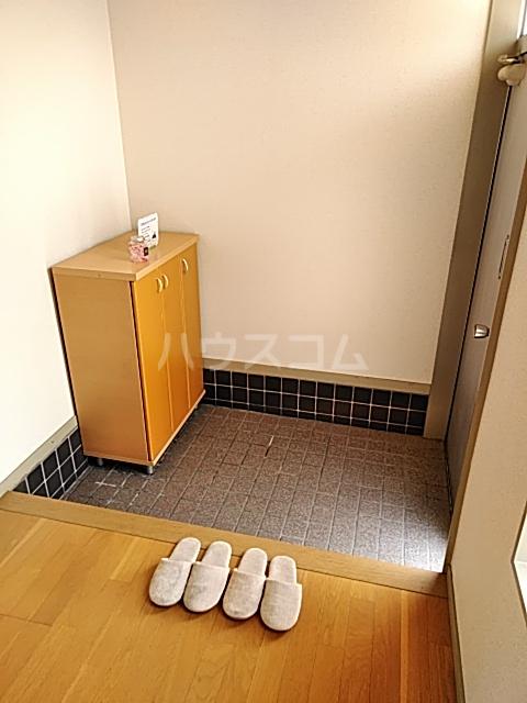 島田様貸家の玄関