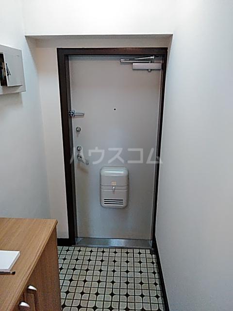 東寺尾マンション 103号室の玄関