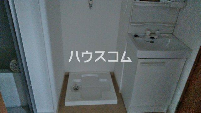 ビラ福一 401号室の洗面所