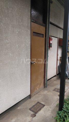 南荘 101号室の玄関