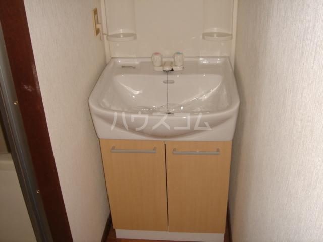 ユートピアSハイツ 501号室の洗面所