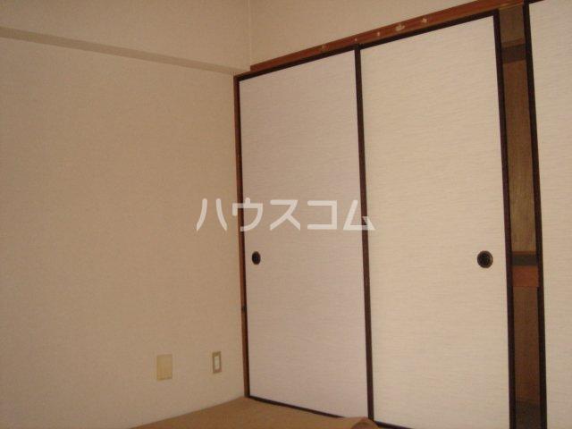 ユートピアSハイツ 501号室のベッドルーム