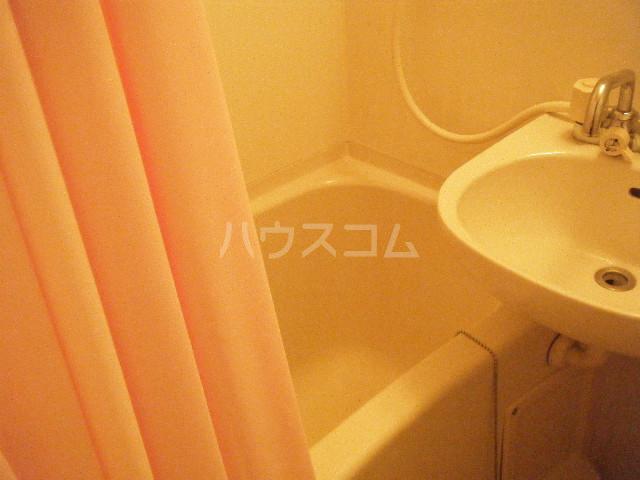 ガーデンハイツ港陽 602号室の風呂