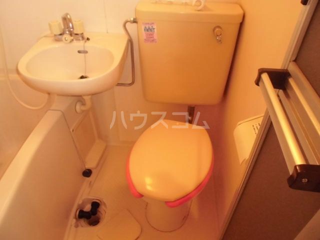 ガーデンハイツ港陽 602号室の洗面所