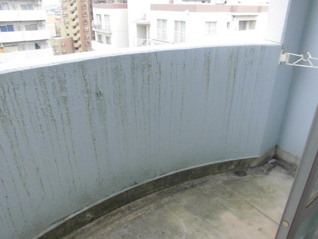 ガーデンハイツ港陽 602号室のバルコニー